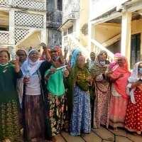 Des femmes de Moroni réclament de l'électricité, le nouveau DG de la sonelec affiche ses ambitions